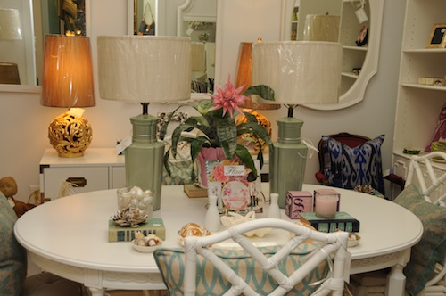 Guest post/A Flair for Vintage Decor | Lori May Interiors